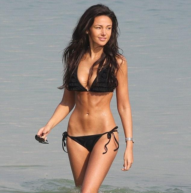 michelle keegan beach body